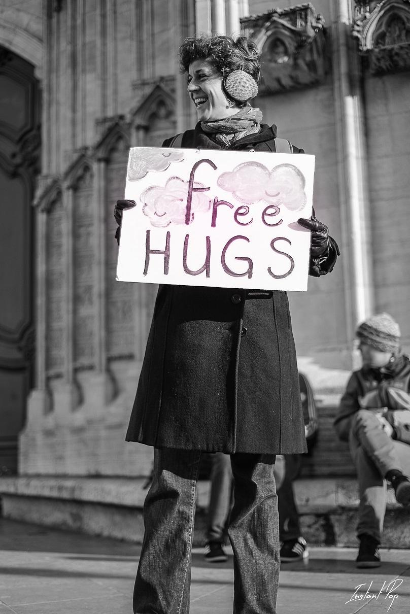 FREE HUGS Anne sophie barnier